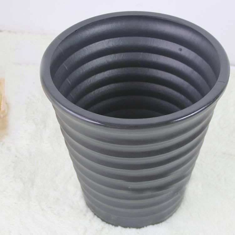 Chậu nhựa đen (cỡ to) - CN018