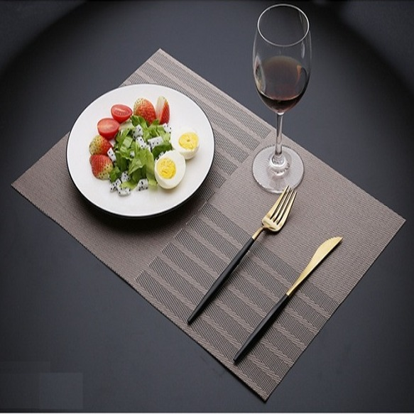 TL107 - Khăn bàn ăn PVC