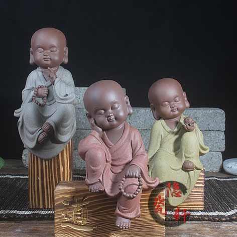 Tượng sư ngồi gỗ khắc - TP006