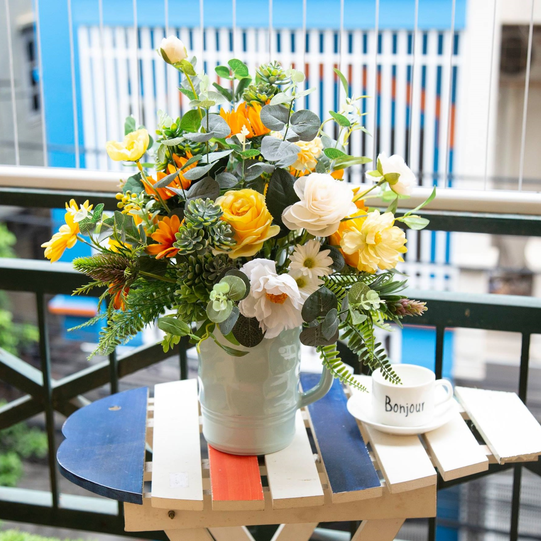 BH562 - Bình hoa hướng dương trang trí