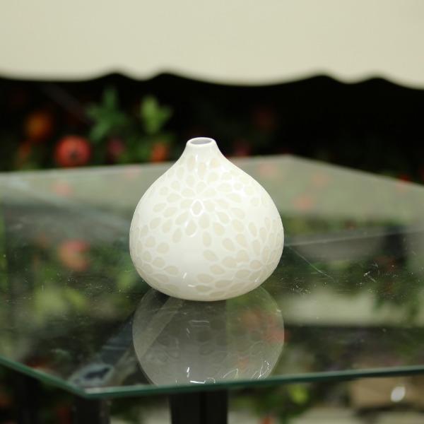 Bình gốm màu kem cao 15cm - BG239