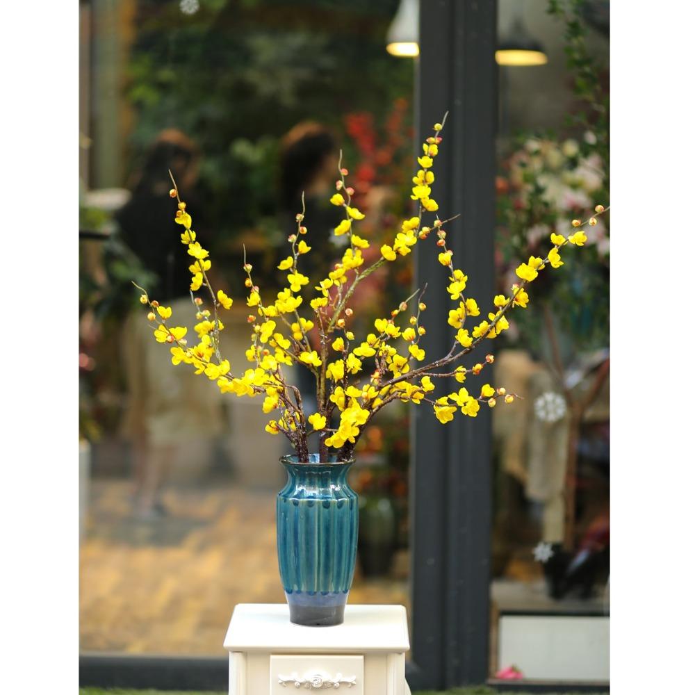 Bình gốm kèm hoa đào màu vàng - BH1065