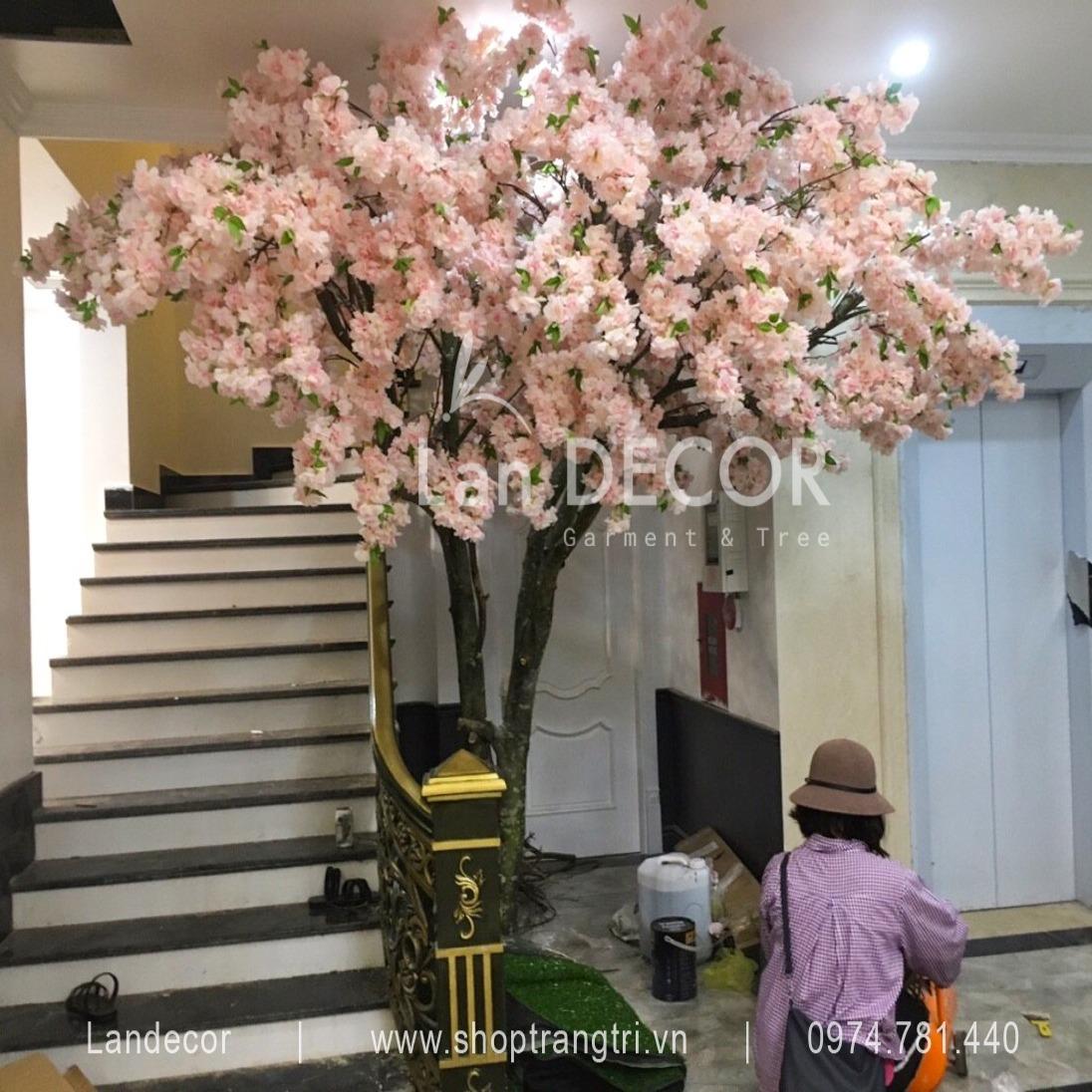 HOA ANH ĐÀO GIẢ CHO CẦU THANG - CL005