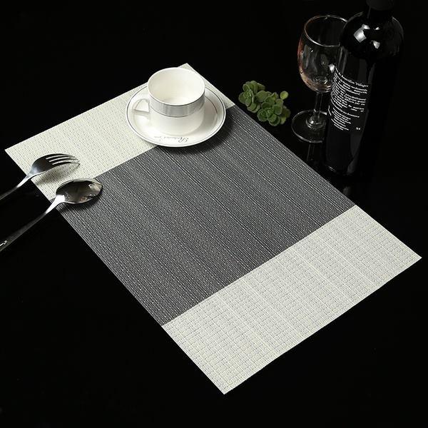 TL105 - Khăn bàn ăn PVC dải 2 màu