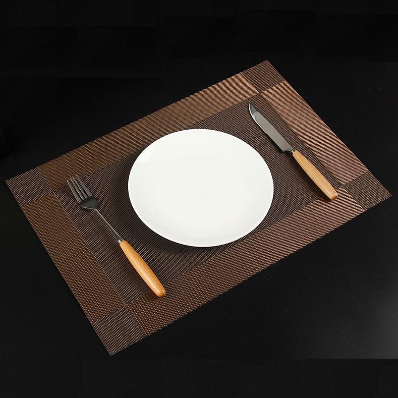 TL106 - Khăn bàn ăn PVC