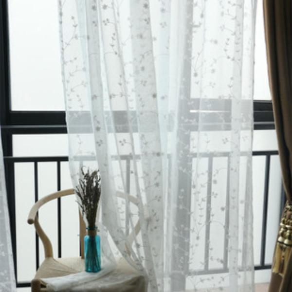 Rèm06-Rèm trắng thêu hoa