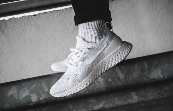 Epic React Flyknit triple white