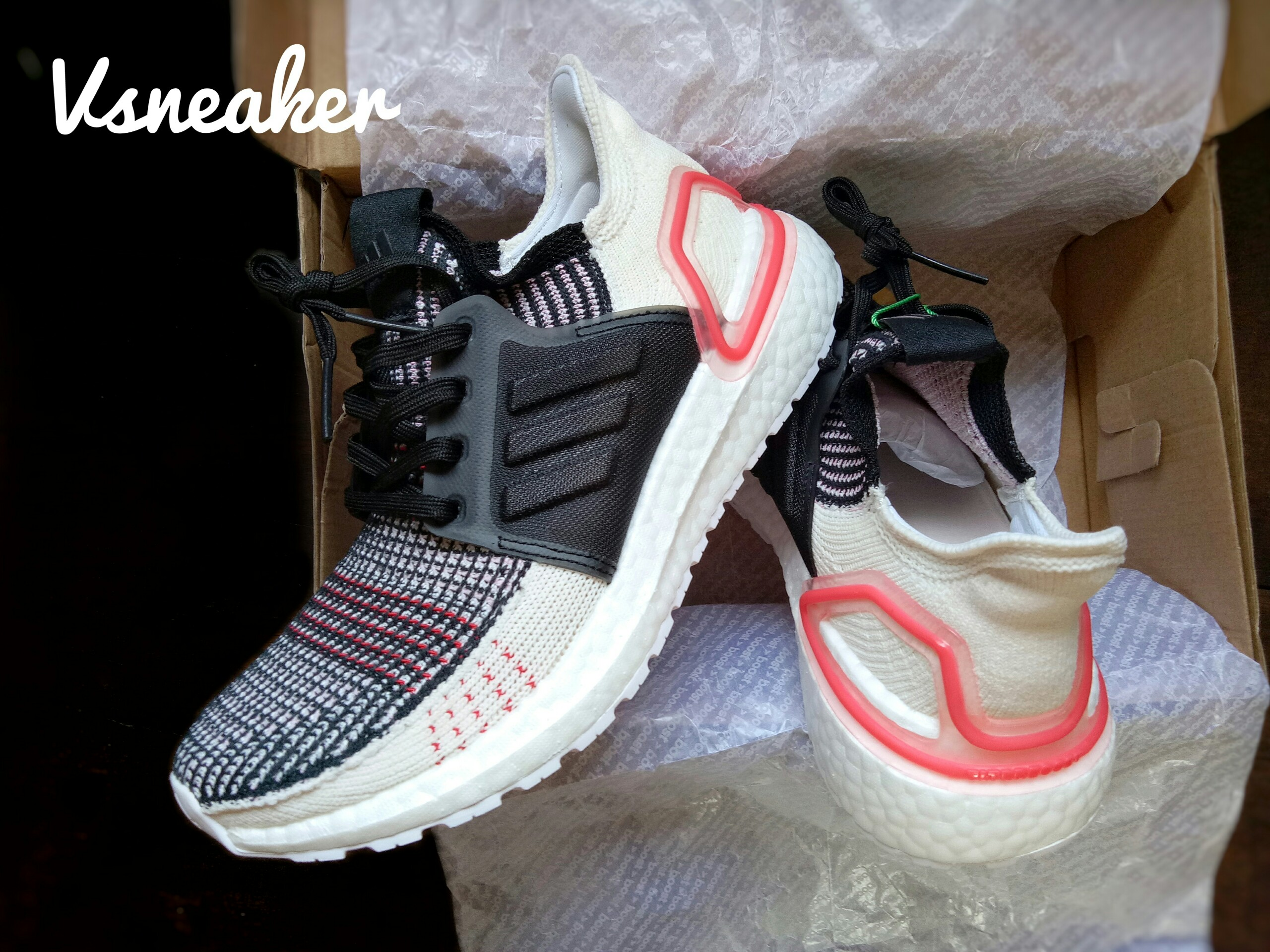 "Giày UltraBoost 19 ""Raw White"""