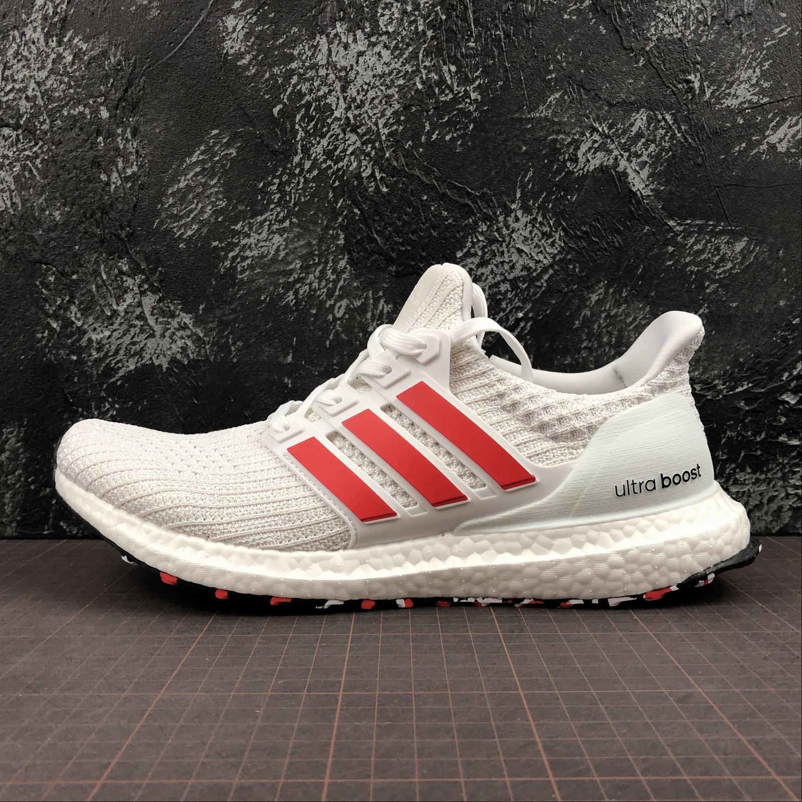 "Giày UltraBoost 4.0 ""White Red"""