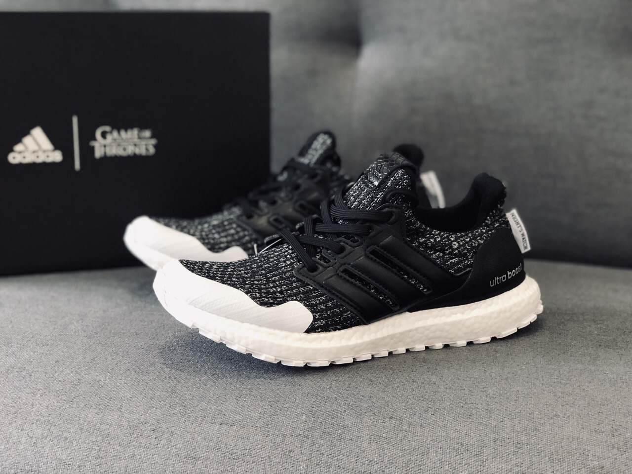 Giày Ultraboost x game of throne night's watch