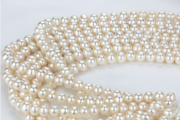 Where to buy pearl jewelry in Hanoi?