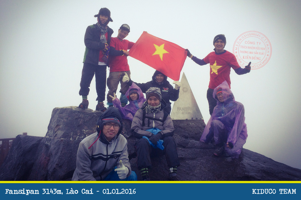 Chinh phục Fansipan 3143m: Hành trình Tây Bắc trong tiết trời lạnh giá đón giao thừa