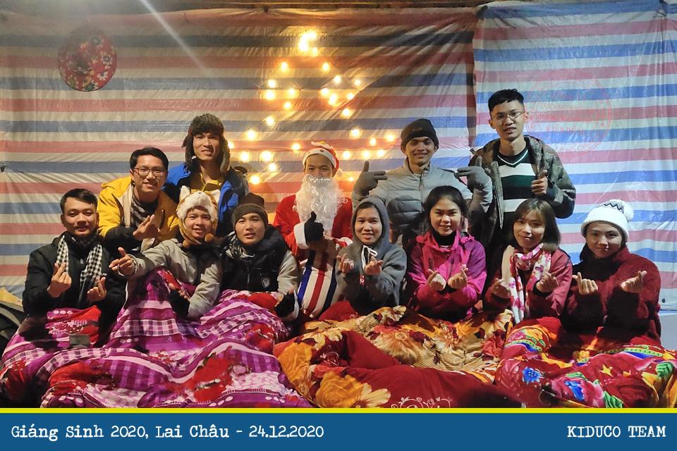 Giáng sinh 2020: Đêm Noel xa nhà đặc biệt ấm áp trên lán trại Tả Liên Sơn