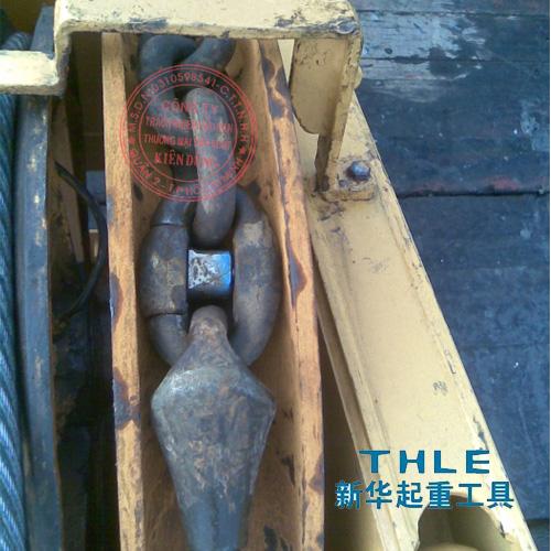 Đầu nối cáp Pear socket trong trục căng dây Spreader