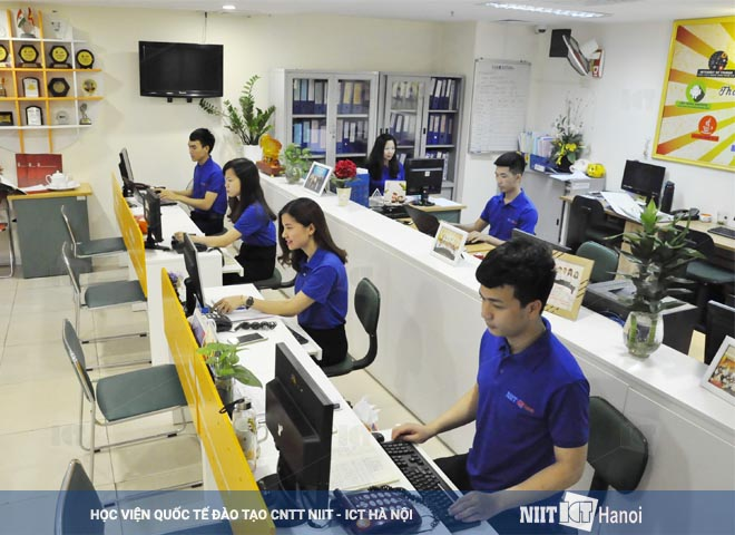 hinh-anh-can-bo-nhan-vien-niit-ict-ha-noi-02