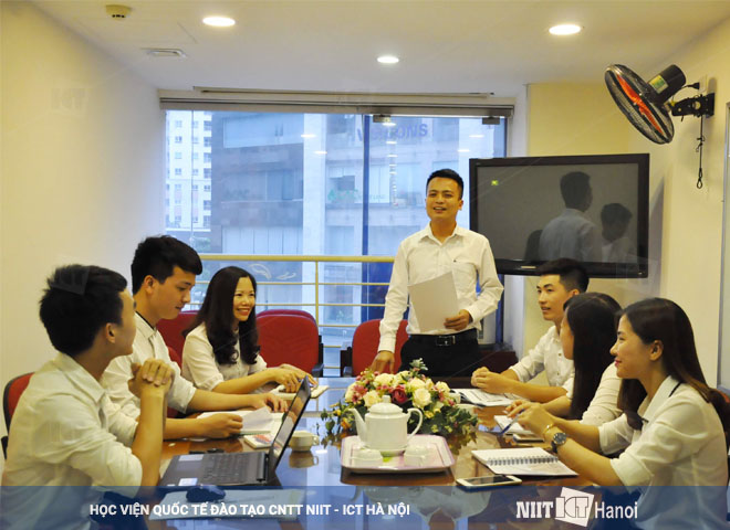 hinh-anh-can-bo-nhan-vien-niit-ict-ha-noi-08