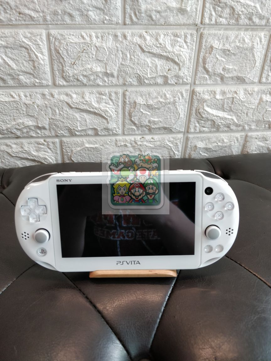ps-vita-2k-white-2nd