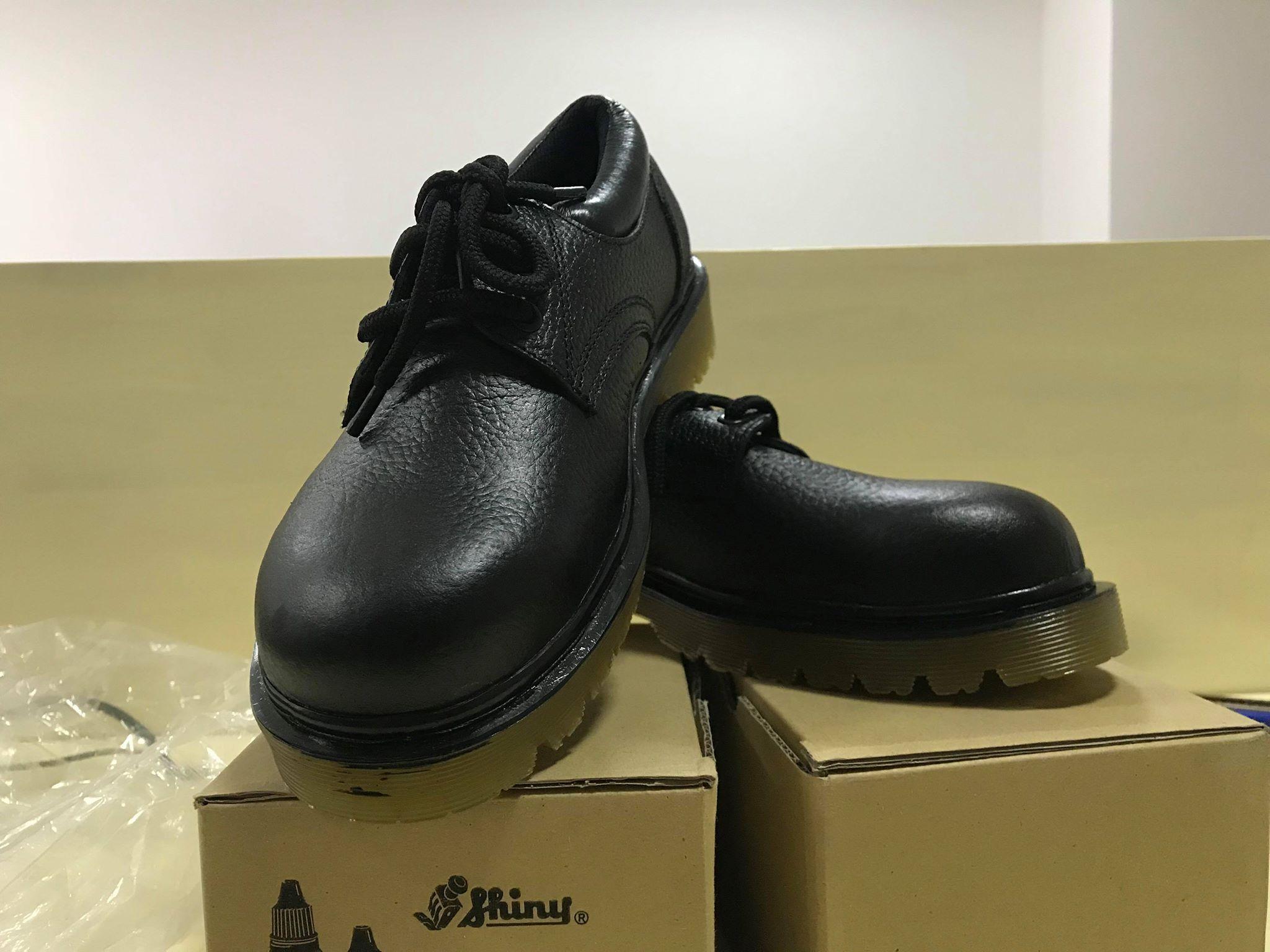 Giày bảo hộ lao động Xuân Lan đen mũi sắt
