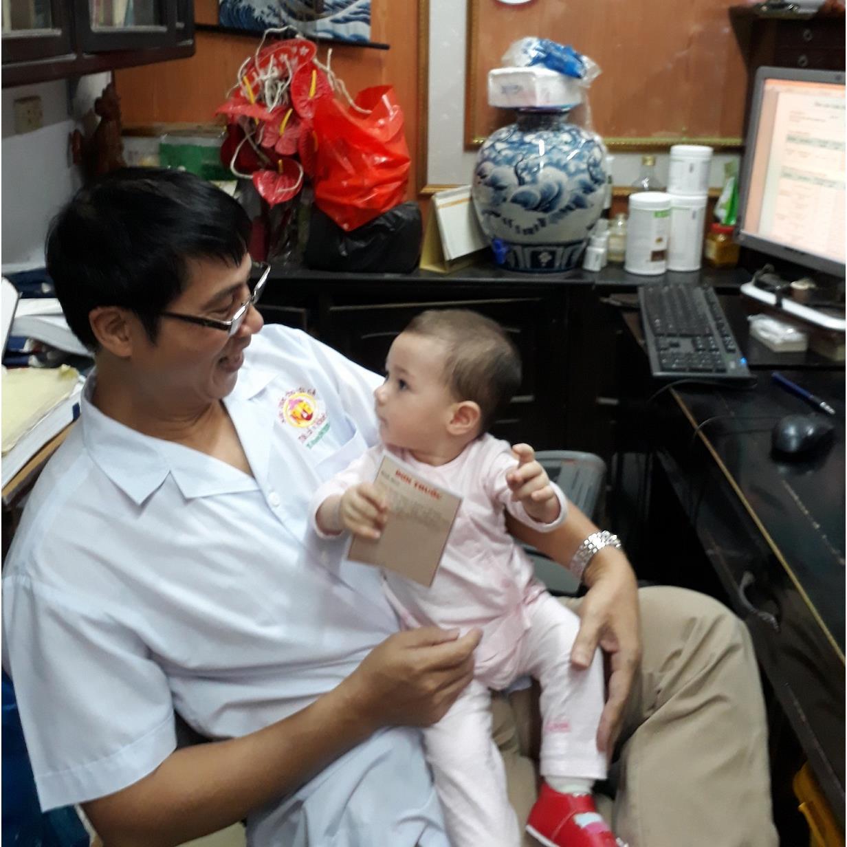 Tinh trùng yếu, kém di động đã có em bé như thế nào