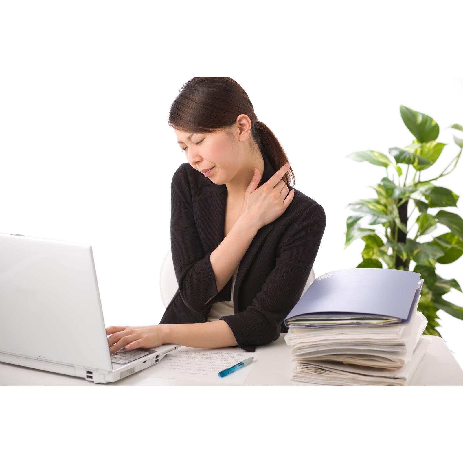 Tại sao dân văn phòng hay bị đau vai gáy?
