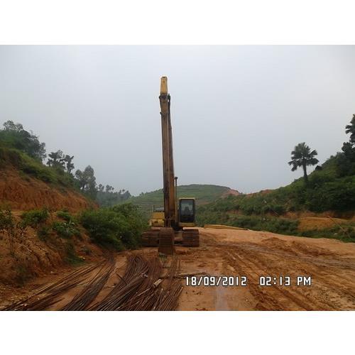 Cho thuê máy xúc đào cần dài PC200-6