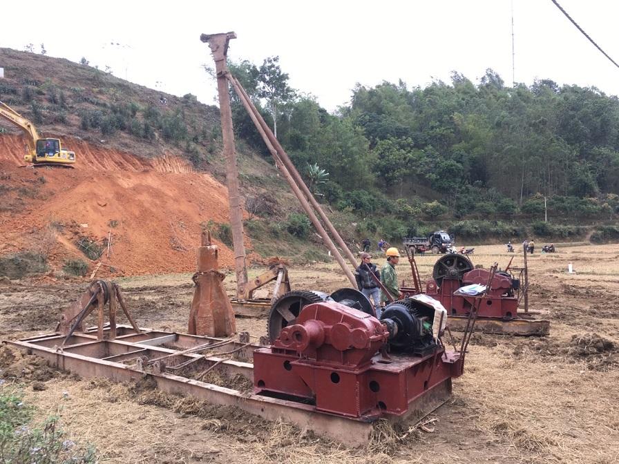 Bán và cho thuê các loại Dàn giã đá, máy khoan đập cáp, giàn khoan đập đá, máy khoan đập đá, máy nghiền đá, máy khoan giã đá, chùy đập đá.