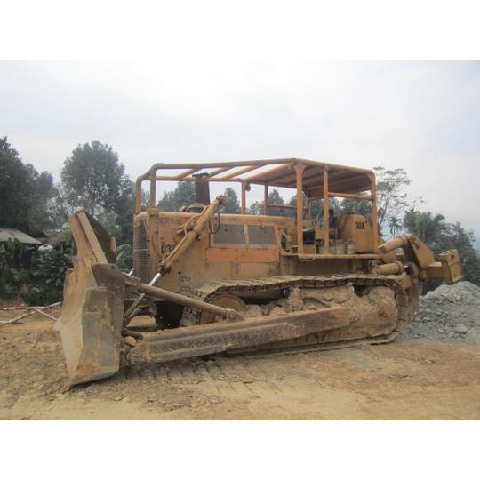 Cho thuê máy ủi Cat - Model D8K