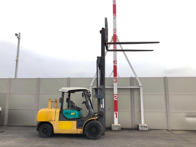 Komatsu 5 tấn chui công FD50AT-8
