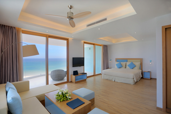 Phòng khách sạn FLC Quy Nhơn với view hướng biển