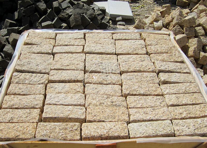 yellow-granite-cobbles