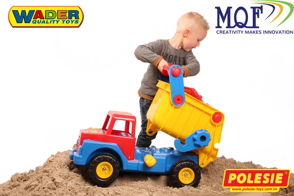 bé trai chơi xe tải No1 wader toys 37909 Polesie Việt Nam