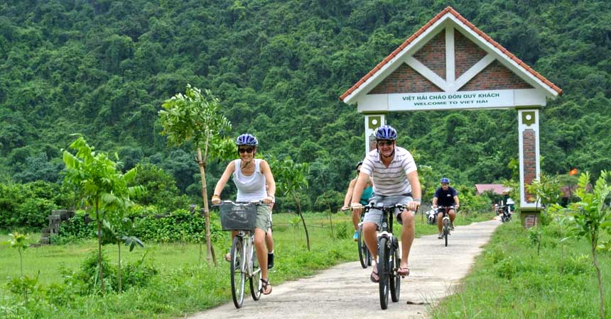 PRIVATE TRA QUE VILLAGE BIKING AND LOCAL COOKING HALF DAY