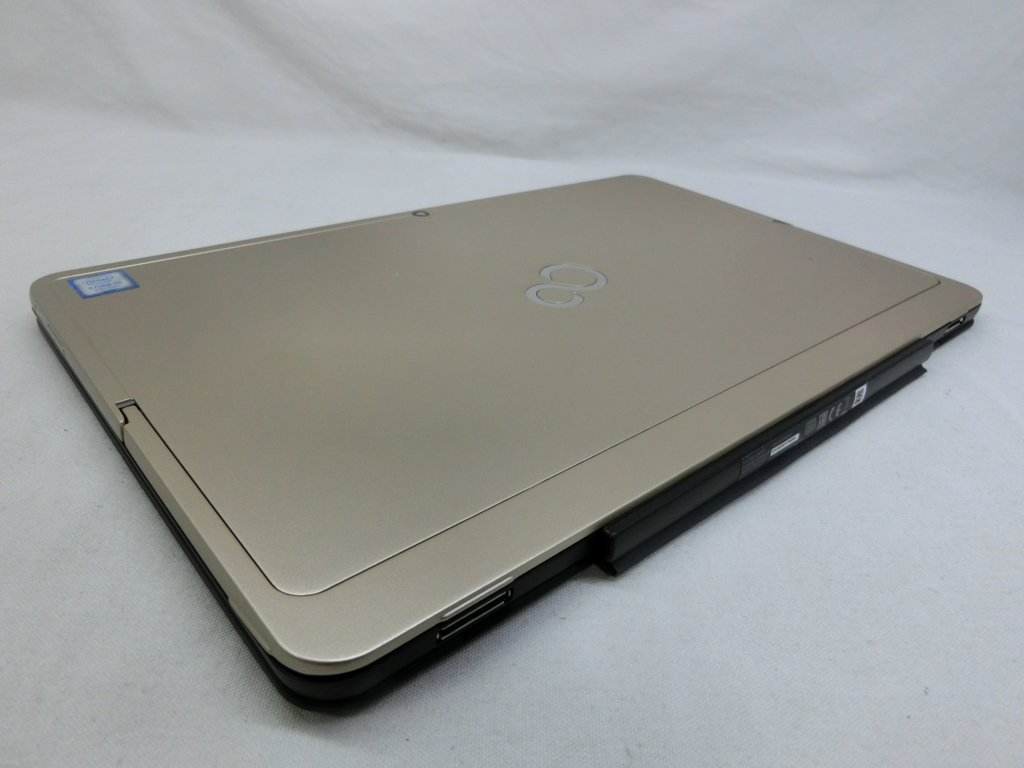 "FUJITSU ARROWS TAB RH77/B1 12.5"" CORE I5 / 7200U / 2.50-2.70GHZ / 4G / SSD 256GB. ID:T118 1126"