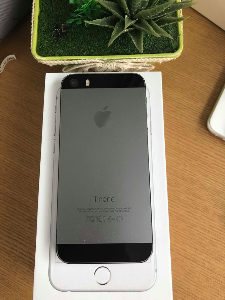 Iphone 5s-64gb dcm 98% đen ID: 18742