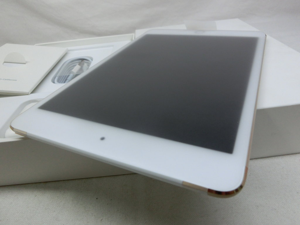 IPAD MINI 4 128G GOLD WIFI 4G NEW 100% Sランク ID: 4J1282326