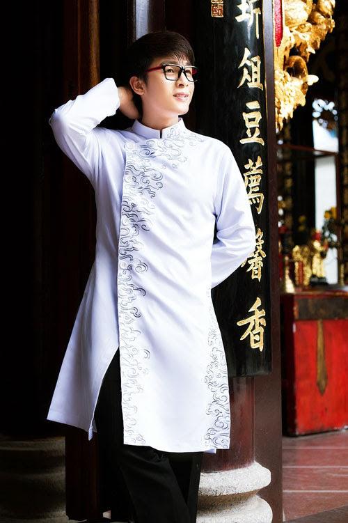 Áo dài nam trắng vẽ tay