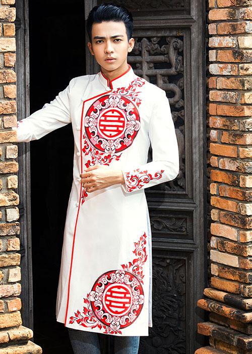 Áo dài cách tân nam trắng họa tiết đỏ