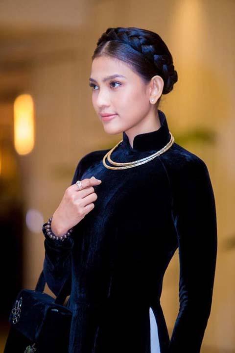 Áo nhung xanh đen