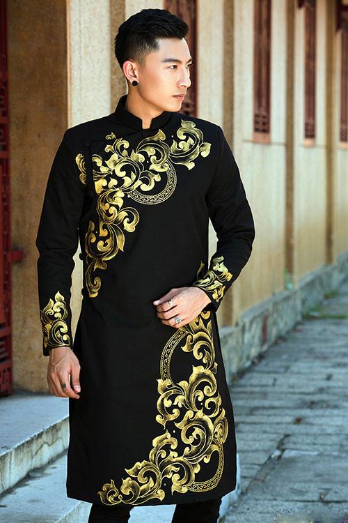 Áo dài nam đen họa tiết vàng đồng