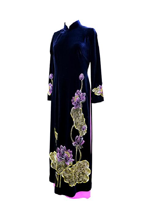 Áo nhung thêu hoa sen