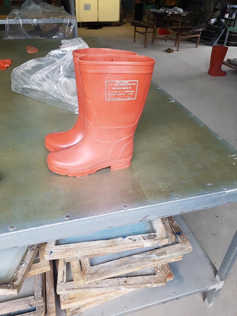 Giày bảo hộ lao động | Ủng cách điện| Ủng cao su cách điện 22 KV
