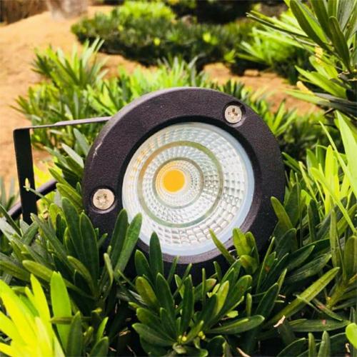 Đèn cắm cỏ siếu sáng