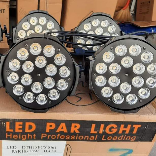 Đèn par led 18 bóng x 15w 8 in 1