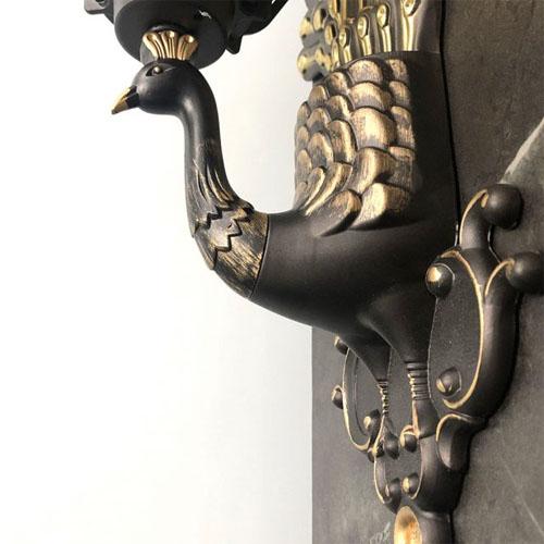 Đèn gắn tường trang trí kiểu chim công