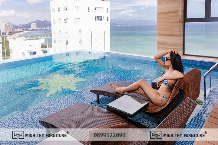 Ghế hồ bơi sử dụng dưới nước tại Nalicas Hotel