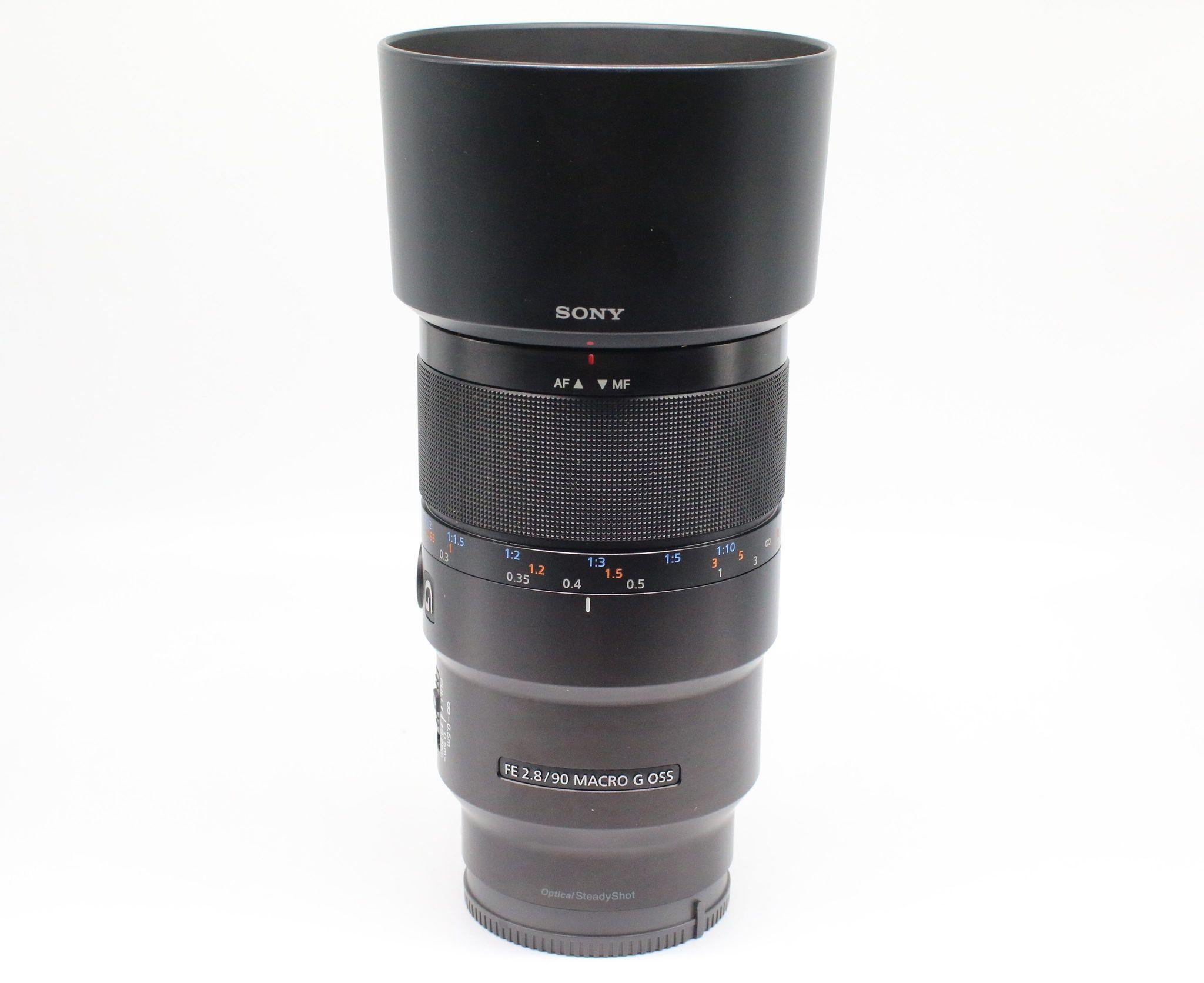 Ống kính Sony FE 90mm f/2.8 Macro G OSS kèm hood