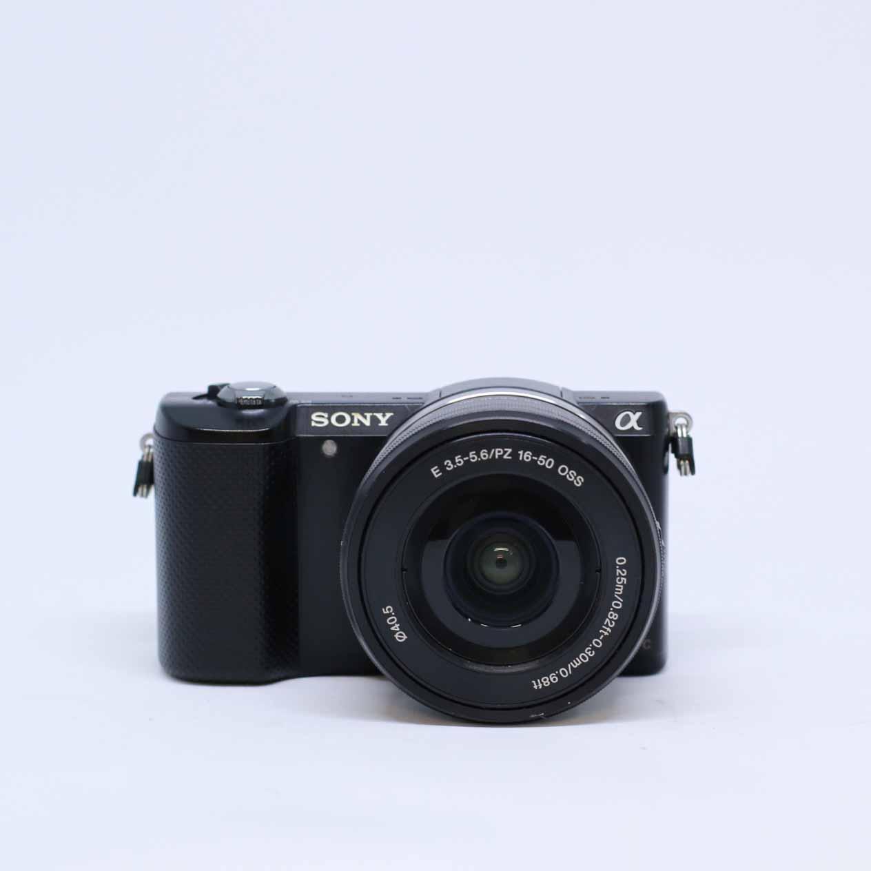 Sony A5000 + 16-50mm F3.5-5.6 OSS