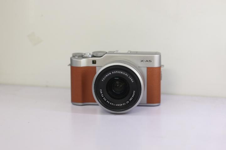 Fujifilm X-A5 Kèm ống 15-45mm OIS PZ bản màu Nâu