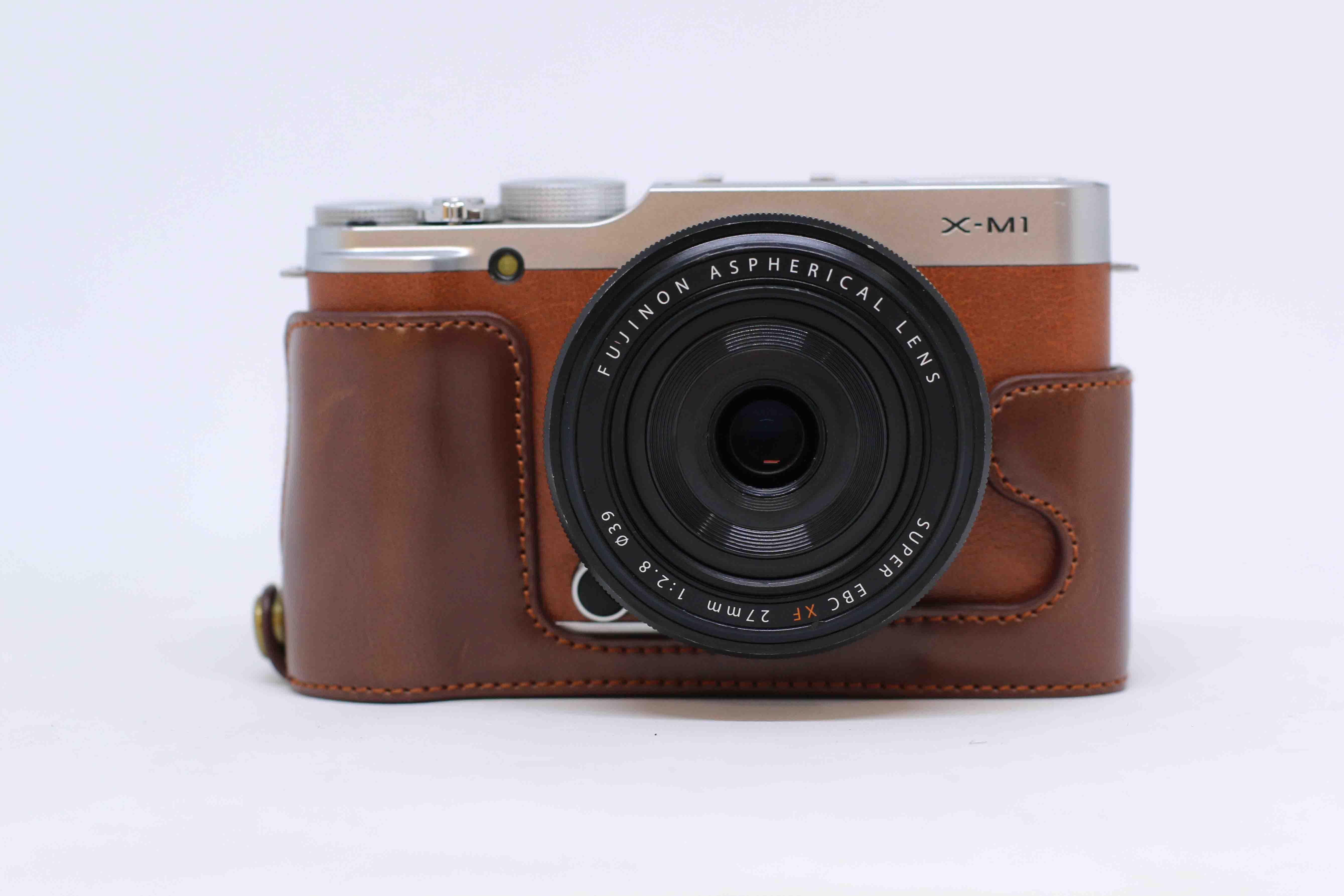 Máy ảnh FujiFilm X-M1 + Ống kính Fujinon 27mm F/2.8