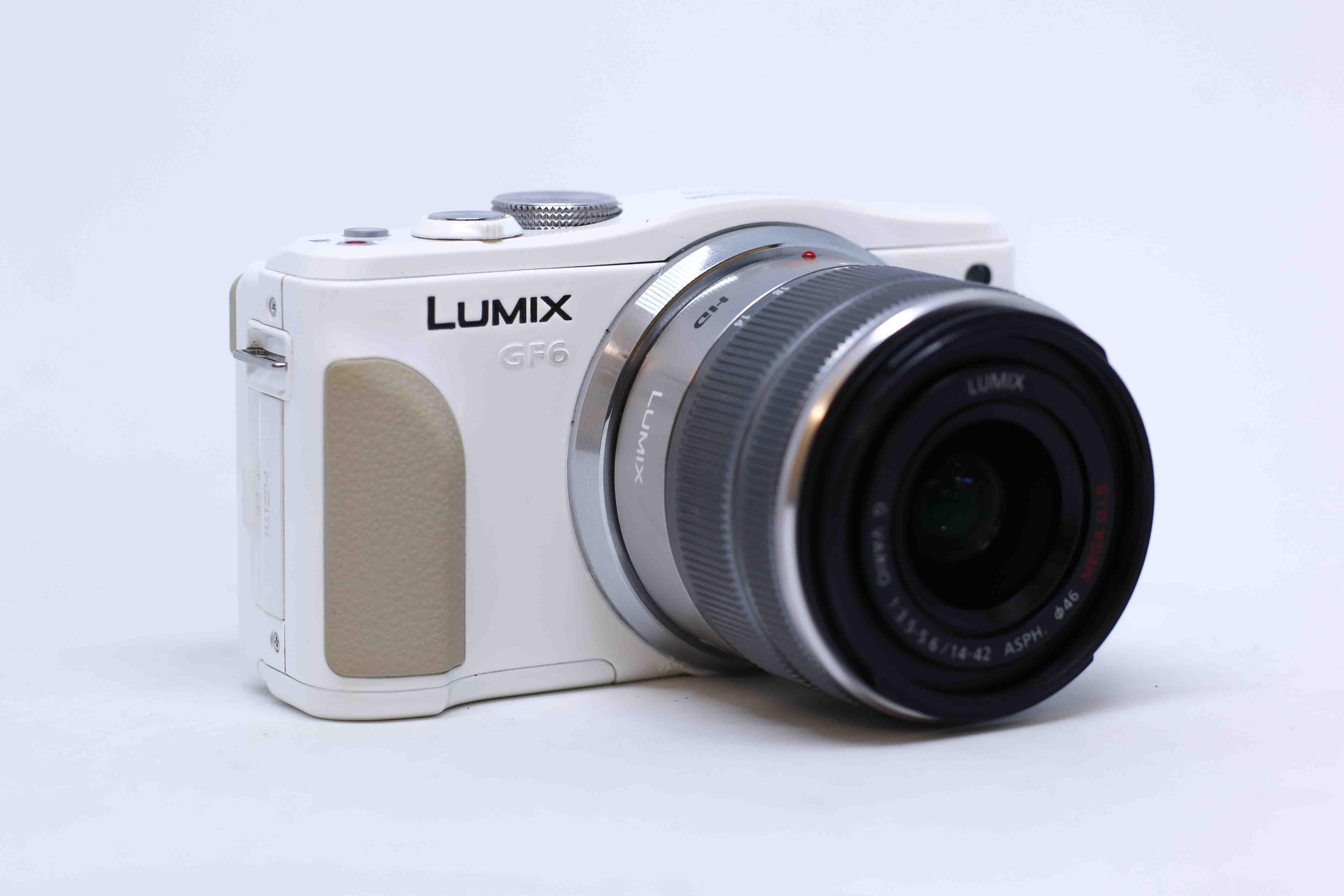Máy ảnh Panasonic Lumix GF6 kèm ống kính 14-42mm F/3.5-5.6